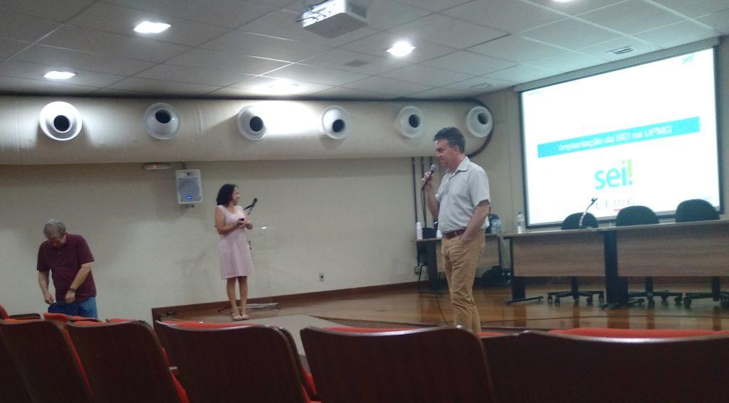 Dorgival, Karina e Carlos Alfeu no 10º Encontro de Técnicos de TI da UFMG